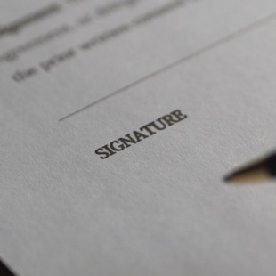 signature contrat de maintenance