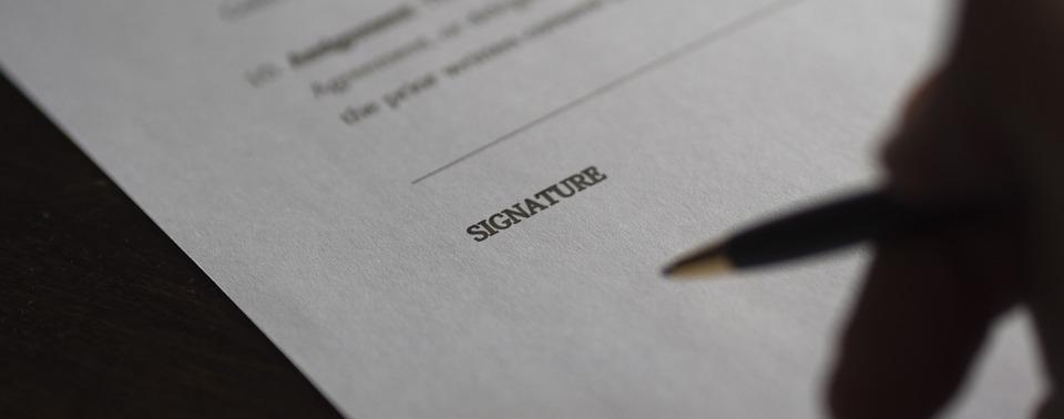 signature contrat de maintenance